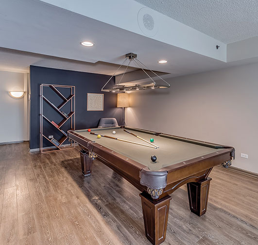 Eldridge Townhomes - Elmhurst, IL - Pool Table